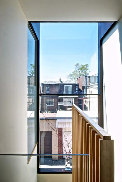 vertical wooden wall hand rail cap
